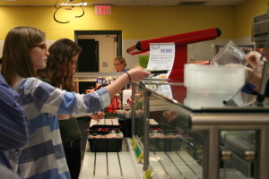 Students roll with new sushi options in cafeteria