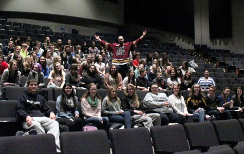 Chicago Wolves' player visits, speaks with French classes