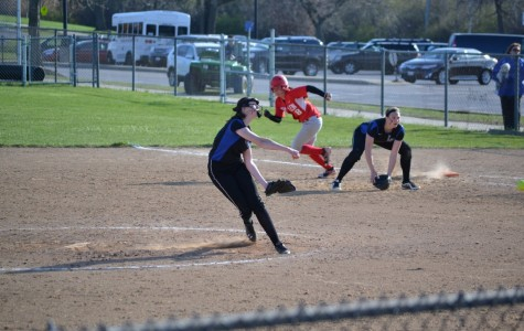 Softball keeps up the fight against the Mundelein Mustangs
