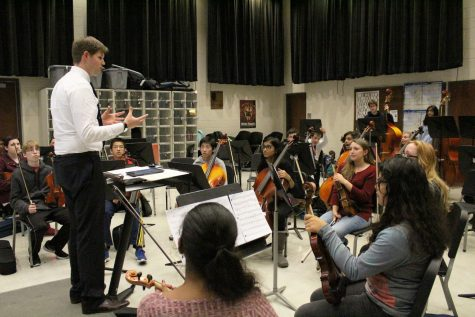 Orchestra holds first concert with new director