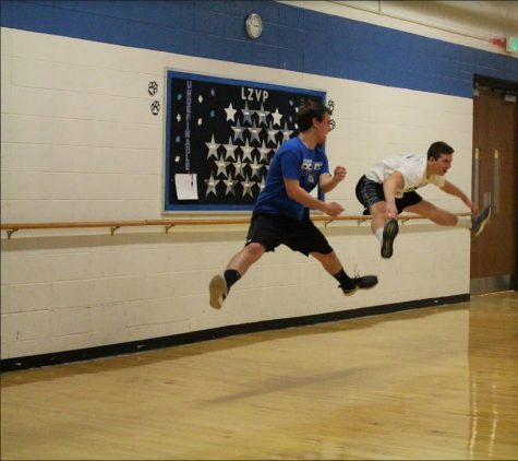 Bear Share: Basketball Players take on Poms' Practice