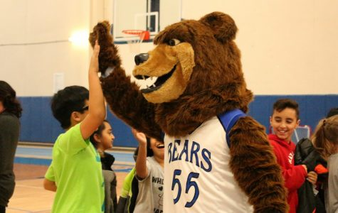 """""""Booking it for the Bears"""" assembly kicks off elementary school reading program"""