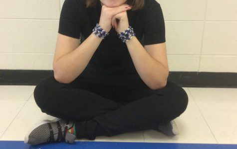 Bracelets for the Bears: A student goes above and beyond to show her support for athletes