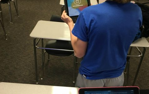 Teachers pilot Apple classroom app to control, monitor student iPads