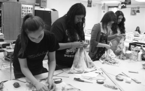 Fashion class gives back to the community with style