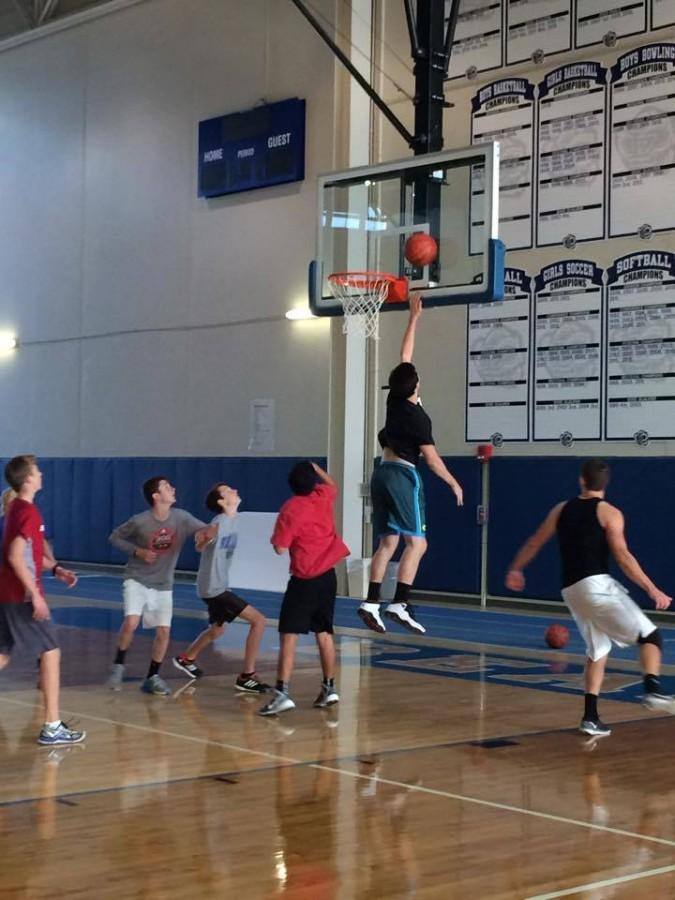 Ball Gives Life club takes the courts to prepare for tournament