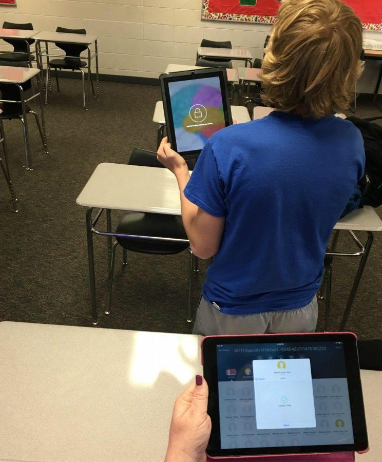 Teachers pilot Apple classroom app to control, monitor student iPads
