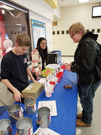 Scholastic Journalism Week raises over $700; celebrates student voice