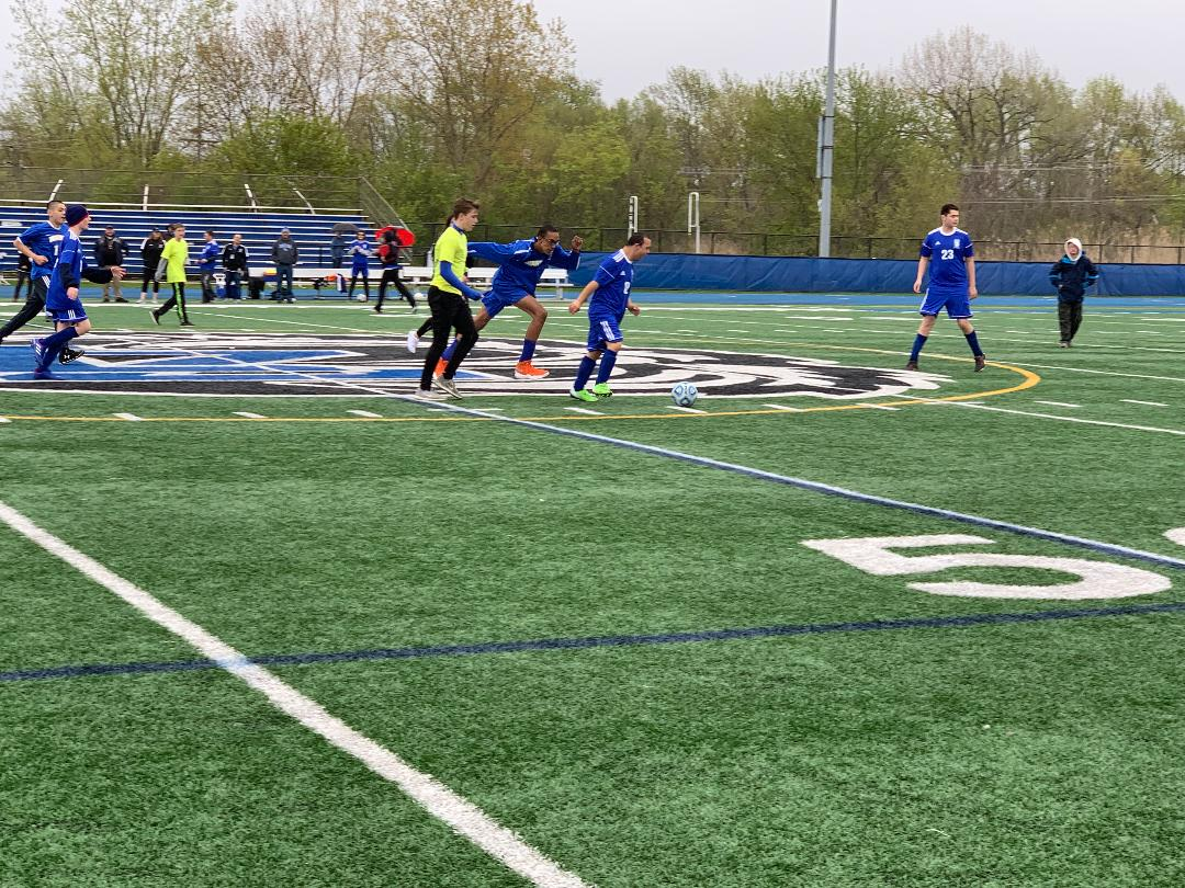 Jeffery+Murphy%2C+transitions+student%2C+turns+up+field+in+the+Allied+Soccer+team%27s+game+against+Warren+on+Saturday.+Murphy+scored+two+goals+in+the+8-7+victory