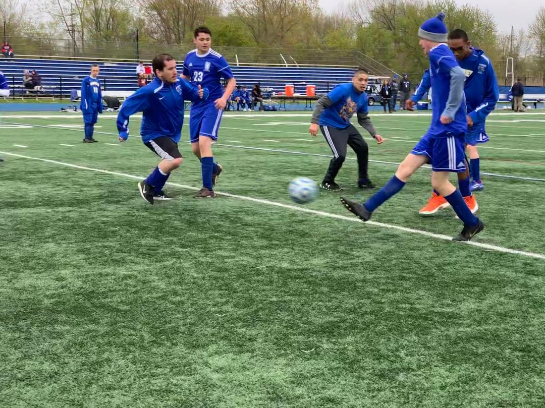 Andrew+Koppel%2C+transitions+student%2C+shoots+the+ball+during+the+Allied+Soccer+team%27s+8-7+victory+over+Warren.%0AKoppel+will+look+to+continue+the+momentum+of+his+hat+trick+to+the+team%27s+next+game+on+Tuesday.