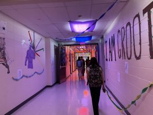Last Sunday, on October 3, students from different clubs and sports put up decorations in preparation for homecoming at the end of this week. Although the homecoming dance and assembly may look different this year, Student Council and Senior Class Board have had to create a different plan than usual.